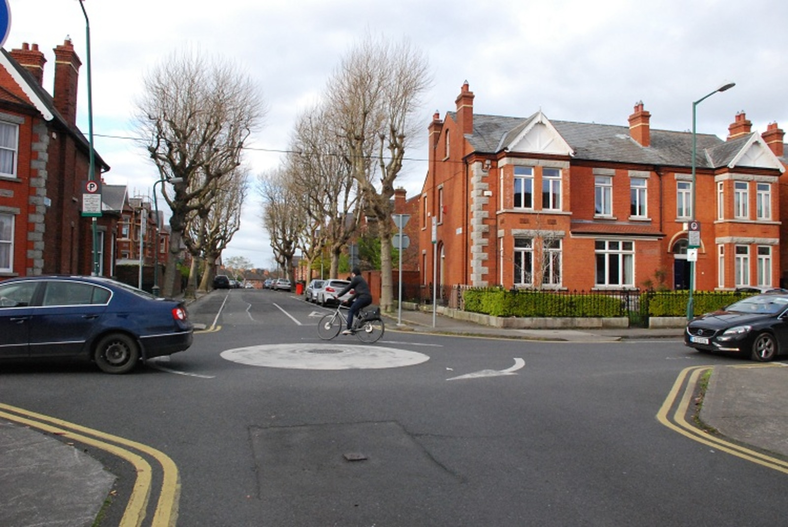 59f50d0bda035b Can We Improve Our Roundabouts for Cyclists